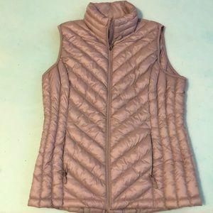 Super cute mauve puffy vest